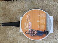 Brand new tefal 24 cm Trafalgar Jamie Oliver 24cm with lid pan 2.9L