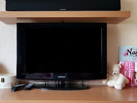 32 inch Samsung LCD TV with FreeView - Full HD