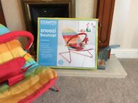 Snoozi baby bouncer excellent condition with box