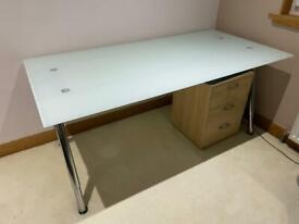 Glass Desk (Excellent condition)