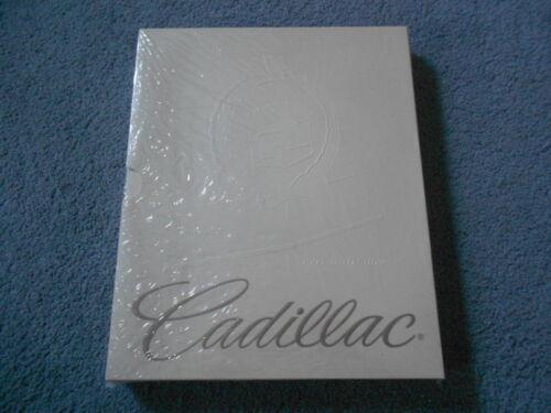 1995 CADILLAC Auto Show Press Media Kit Sealed NOS Seville Eldorado DeVille