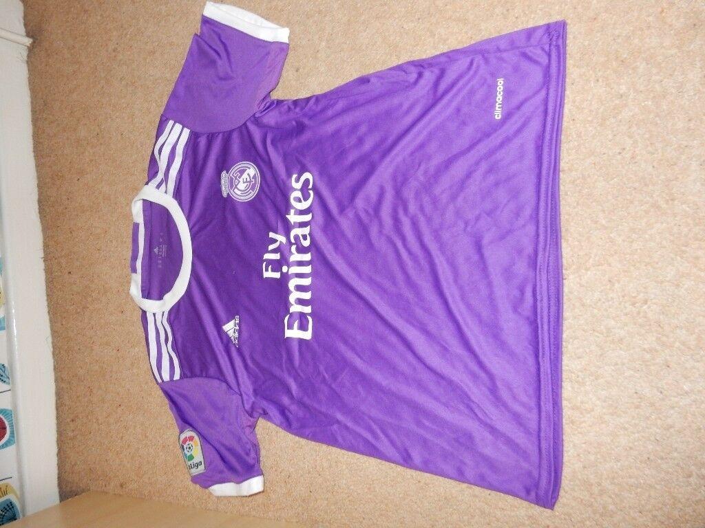 REAL MADRID Ronaldo No.7 Football Kit - T-shirt, Shorts, Socks and keyring