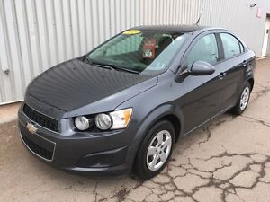 2013 Chevrolet Sonic LS Manual MANUAL TRANSMISSION   LOW KMs...