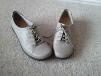 WOMENS HOTTER SHOES UK SIZE 9 (43) WIDE FITTING