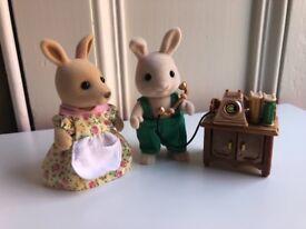 Sylvanian families - telephone and stand, rabbit and kangaroo bundle VGC