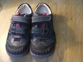 Clarks Boy Stompo Shoes Size 12.5g Dark Blue VGC Leather