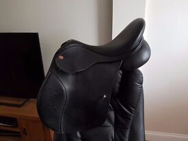 "Kent and Masters Saddle Black Leather High Wither 17.5"" HGP"
