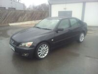 FOR SALE LEXUS IS 200. TOP OF THE RAGE/FULL LEATHER/ SAT NAV ETC 1295 ONO