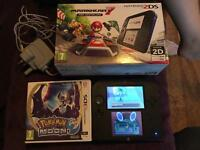 Nintendo 2ds Mario Kart 7 edition plus Pokemon game