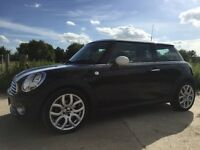 Stunning MINI Cooper (black) with only 31500 miles in amazing condition.