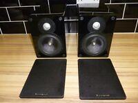 CambridCambridge Audio Sirocco Ultima SL30 Speakers - High Gloss black - RRP £260