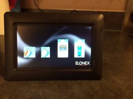 Elonex DP9000 7in; Black LED Digital Photo Frame