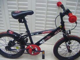 Boys bike suitable for 4 to 7 years old