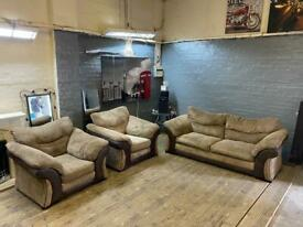 HARVEYS FABRIC SOFA SET 3-1-1 SEATER IN EXCELLENT CONDITION