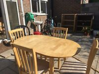 Beautiful Solid Wood Extendable Oval Dining Table & Chairs