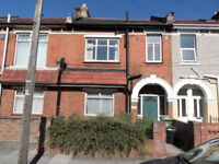 3 double bedroom house located on Francis Avenue, Southsea, PO4 available 1st August