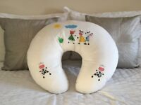 Widgey, breast feeding cushion/baby nest. Excellent condition.