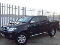 2011 TOYOTA HILUX D/C 3.0 D4-D INVINCIBLE AUTO 4X4 BLACK ++ LOW MILEAGE!!! ++ FSH!!! ++