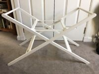 John Lewis Moses basket stand (white), very good condition, free to pick up