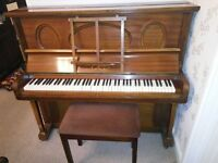 Lobe Upright Piano