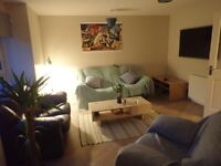 Spare room within 3 bed flat in Finnieston area 400gbp all in