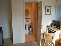 Double with en-suite batroom