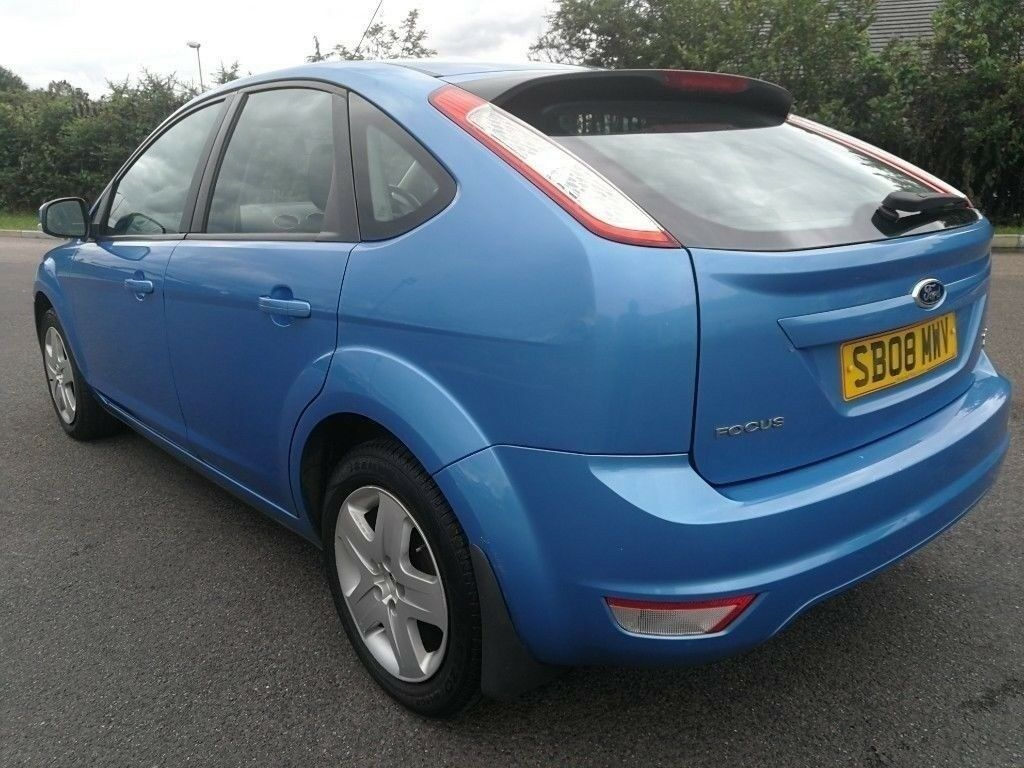 FORD FOCUS MANUAL IN VERY CLEAN CONDITION. LONG MOT. FULL SERVICE HISTORY. 2  KEYS. HPI CLEAR