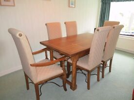 Dining table with 4 chairs & 2 carver chairs