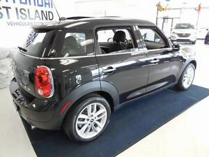 2014 Mini Cooper Countryman1.6L FWD CUIR/TOIT/MAGS 81$/semaine West Island Greater Montréal image 5