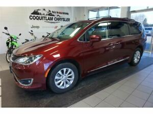2017 Chrysler Pacifica Touring L- LEATHER, DVD, SUNROOF!!