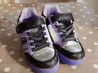 Girls size 2 Heelys inline skating shoes