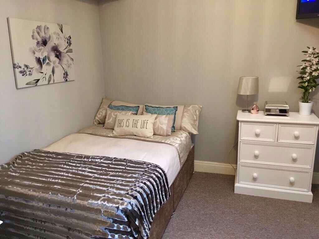 Double Room with own Bathroom in City Centre