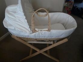 Moses Basket with stand (Clare de Lune)