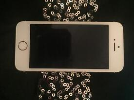 Iphone 5S white & gold. EE