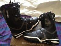 Salomon size 9 uk snowboard boots