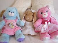 BUID A BEAR - 3 gorgeous as new Buid a Bears and fab clothes for Xmas presents