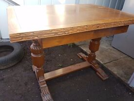 1960 table and 4 chairs good condition FREE DELIVERLY