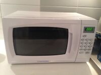 White Microwave with 5 Power levels and 9 Programmes
