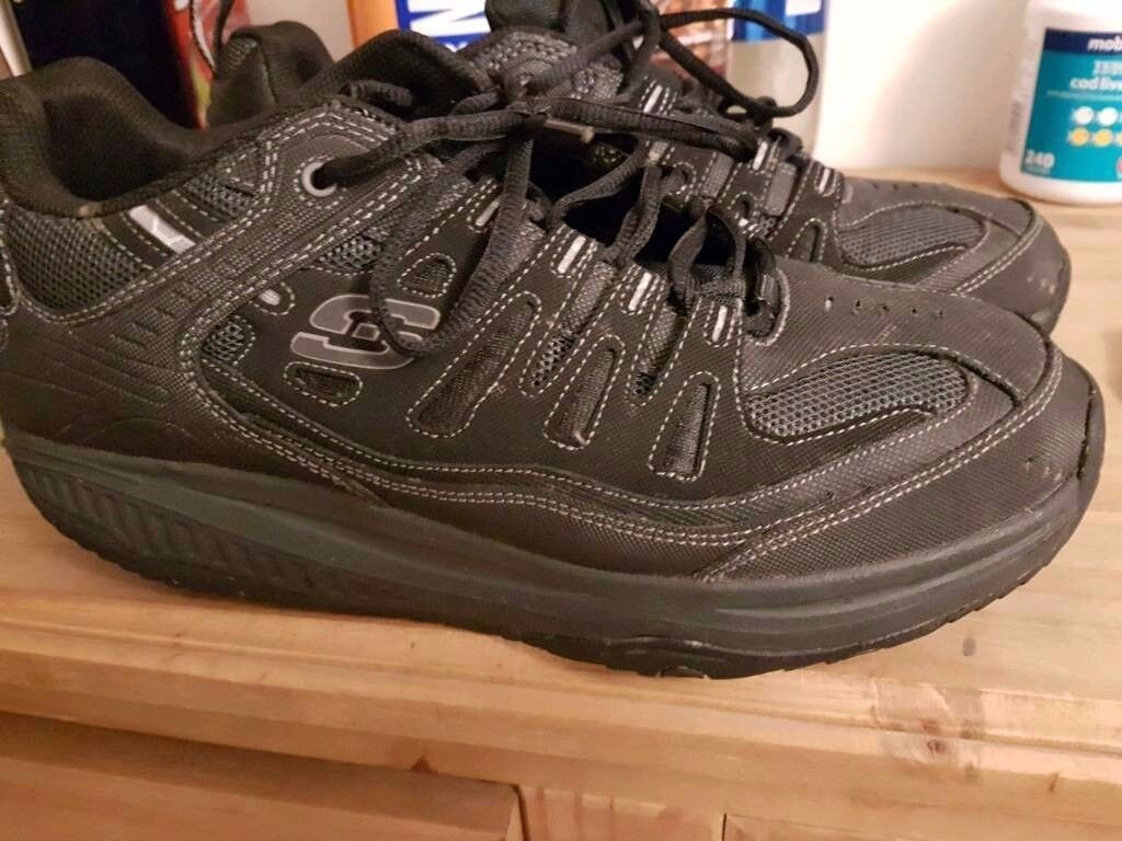 mens skechers shape ups size 10 as new