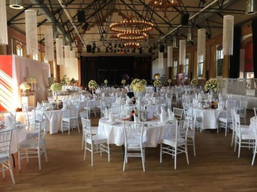 Chiavari Tiffany Stuhl Mieten Hochzeit Feier Event Ball Weiss In