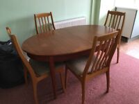 Dining table and 4 chairs, extending table