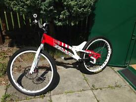 Ashton justice 26 trials bike