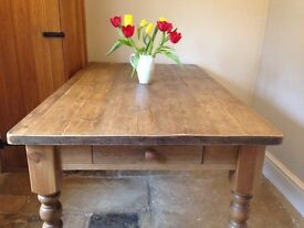 Farmhouse style 6 seater pine table for sale. IN EXCELLENT CONDITION!!!