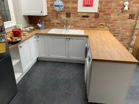 Howdens Shaker Kitchen Units With Laminate Wood Top