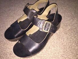 London Fly black sandals size 6