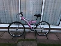 Women's bike for sale, 26inch wheels, only rode once