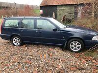 Volvo V70 10V 2319cc Petrol Automatic 5 door estate P Reg 27/06/1997 Blue