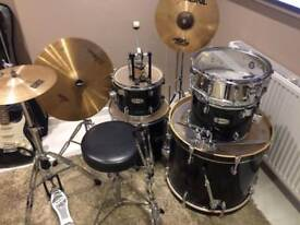 Cheap Mapex Drum Kit (hardware and cymbals included)
