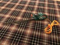Black & decker hedge trimmer GT516 61cm 520w