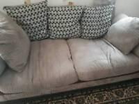 D f s sofa